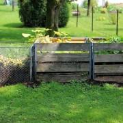 Le compostage domestique est une solution pour réduire la production de déchets à la source